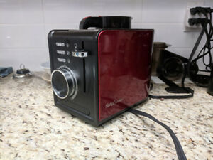 Betty Crocker Toaster (barely used)