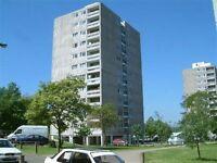 4 bedroom flat in Fontley Way, Roehampton, SW1