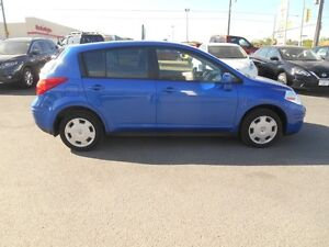 2009 Nissan Versa 1.8 S Hatchback Peterborough Peterborough Area image 7