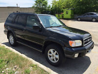 2000 Nissan Pathfinder LE 4x4 with 156,000km