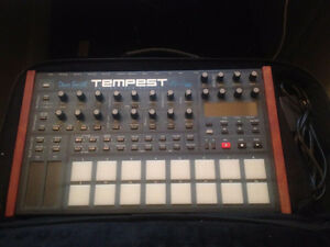 Dave Smith Instruments - 6-voice Analog Drum Machine