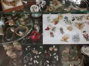 Shop Canada's largest antique mall 600 booths PLUS Jewelry  Stratford Kitchener Area image 1