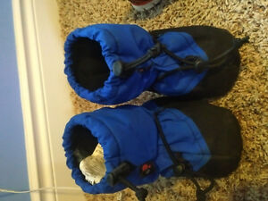 Large lot of Toddler Boy winter/fall clothes, and summer too! Belleville Belleville Area image 4