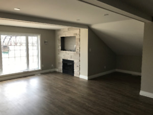 Luxurious appointed 2 bedroom River front apartment - Fort Erie