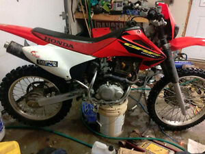 crf 230f condition A1 2200$ négo