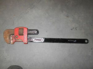 "24"" Heavy Duty Cast Iron Straight Pipe Wrench"