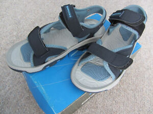 Brand New Brooks Women's Sandals - Sizes 7, 9, or 10 London Ontario image 4
