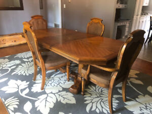 Beautiful Wood Dining Table with 6 Chairs Set