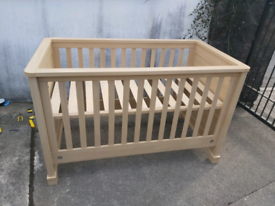 Mamas and Papas Cot Bed Excellent Condition