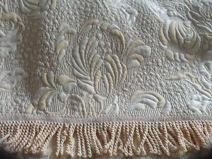 European Damask Bed spread, queen size - New in bag Kitchener / Waterloo Kitchener Area image 3