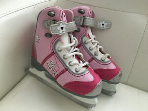 Girls' skates size 12J plus helmet