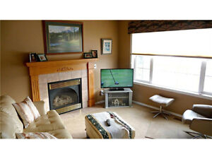 FULLY DEVELOPED VILLA IN NW CALGARY!!  THIS IS NOT A CONDO!!