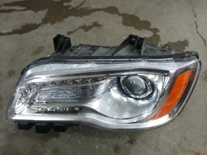 Chrysler 300 2011 2012 2013 2014 left headlight gauche