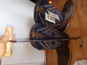 brand new MENS cowboy boots size 8