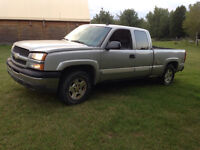 2004 Chevrolet Silverado 5.3L loaded with leather must sell