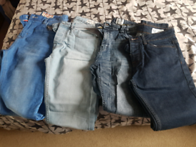 4 PAIRS OF SKINNY JEANS