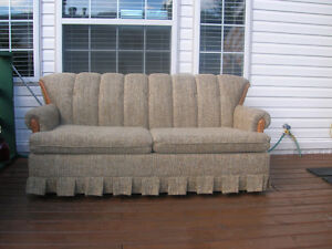 Buy Or Sell A Couch Or Futon In British Columbia Furniture Kijiji Classifieds