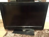 """Philips 32"""" HD TV in perfect working order no remote but has buttons on the side £50"""