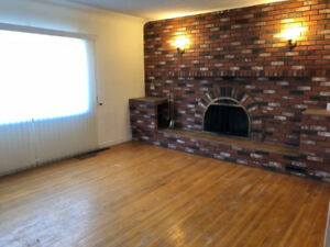 **DOWNTOWN HOME FOR RENT - FIRST MONTH FREE !! **