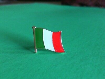 Italy Italian Flag Pin Badge Tie Tack! Brand New