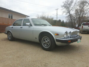 1982 Jaguar XJ6 128k Safetied $3500  Very Nice car