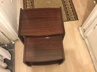 Set of 2 nest of table