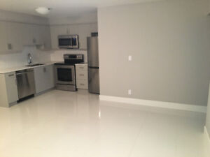 Close to Holdem Skytrain - 2 bedroom suite in house for rent