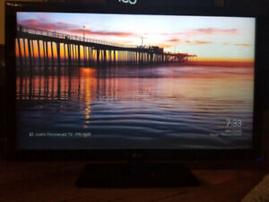 """47"""" LG 1080p TV With swivel stand"""