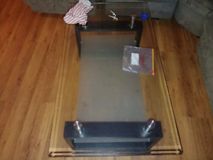 Table center table in good condition