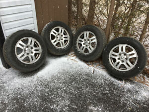 Alloy Rims and good summer Tires for sale off 2004 Honda CRV