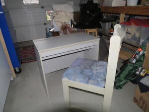 Pupitre de travail ou meuble vanité maquilleuse