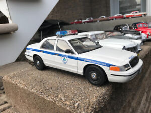 Police de Montreal Autoart ford crown Victoria diecast 1/18