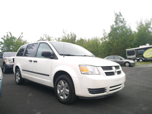 2009 GRAND CARAVAN.  152000KM. NEW MVI UPON SALE.