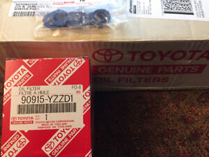 8 - Toyota Genuine Oil Filter 90915-YZZD1 with Oil Drain Gaskets
