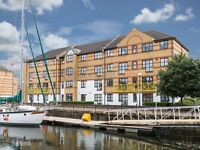 1 bedroom flat in Transom Close, Surrey Quays SE16