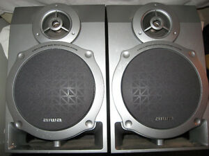 AIWA set of speakers Belleville Belleville Area image 1