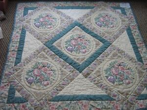 LAP QUILT 48x48 = Hand quilted