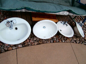 2 ceramic WHITE SINK with faucet 21X17 ASKING $45 chaq each  1