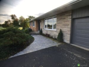 Bungalow for Sale - Beamsville - $559,000