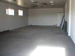 1000 SQ FT  Space - Utilities Inculded!