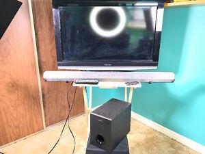 "32"" inch Toshiba 720p HDTV with High end Sony Soundbar and Sub"