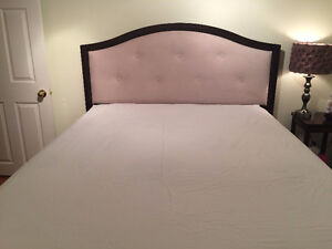 Beautiful Queen Bed set with Mattress