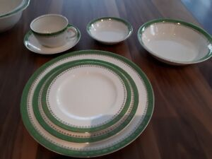 Antique Alfred Meakin dishes/ vaiselle pour 6 (Estate sale)
