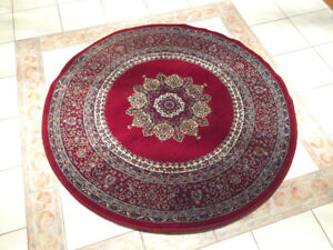 Nice Round Wool Carpet Made in Turkey in Good Condition