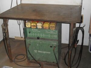 electric welder 235 amps. Cornwall Ontario image 1