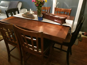 Dinning room pub table and chairs