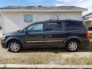 2012 Chrysler Town & Country Touring Minivan, Van