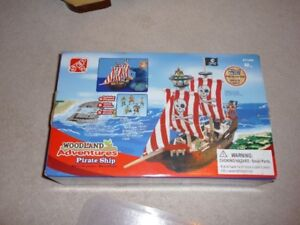 Children Toys / Collectible Step 2 Wood Pirate Ship