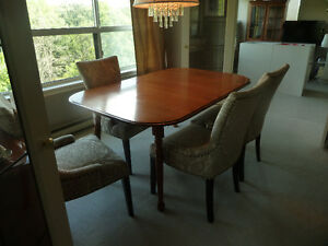 Roxton Maple Table And Chairs Buy Or Sell Dining Table