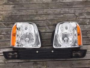 2007-2014 GMC Yukon Headlights and Lower Grille